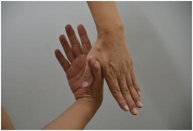 피부미용사 엄지손가락통증해소13.jpg