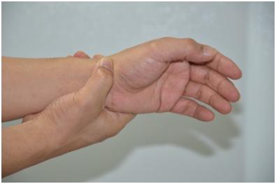 피부미용사 엄지손가락통증해소5.jpg